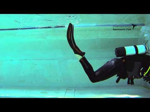 i.a.c. Skills Flossenschwimmen